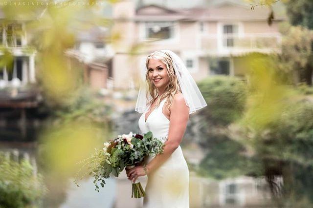 #tb to Sarah & Alan's wedding in a romantic rainy day. 💛🌿💛 #lakeview #lakewedding #bc #beautifulbc #wedding #weddingceremony #love #romance #romanticrain #rain #romanticsunset #canada #photosession #photoshoot #weddingphotography #weddingdress #couplesgoals #couplephotography #fallwedding #weddingphotographer #weddingphotos #newlyweds #portfolio #bookyoursession #lovephotography #memories #august