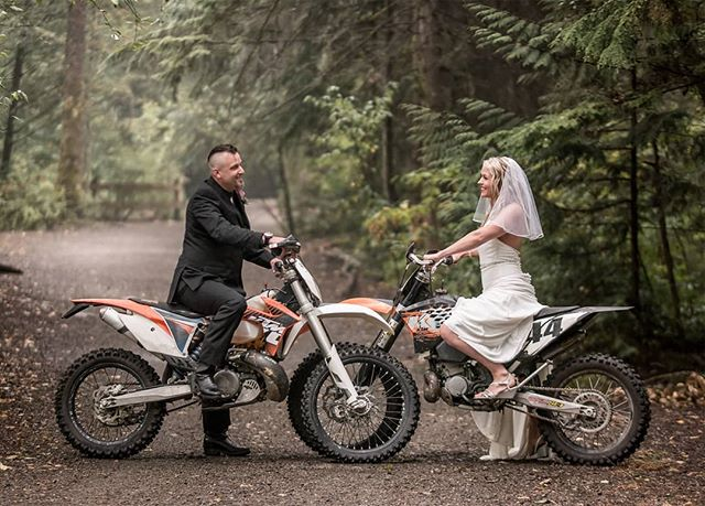 Dirt bikes in a wedding shoot? Why not?! We love bringing your vision to life on your special day! We offer a free consultation meeting once you book our wedding service. In these meetings, we discuss all the details that you have in mind to get the best results together. Our goal is to make your day as memorable as possible! 💚🌿💚🌿💚🌿💚🌿💚🌿💚🌿💚 #weddingphotographer #weddingphotos #wedding #weddingceremony #weddinggoals #weddinggown #bridegroom #bride #groom #adventure #adventurouscouple #couplesgoals #couplephotography #yvrphotographer #yvr #yvrwedding #woods #dirtbike #dreamwedding #elopmentwedding #love #loveweddings #happilyeverafter #photoshoot