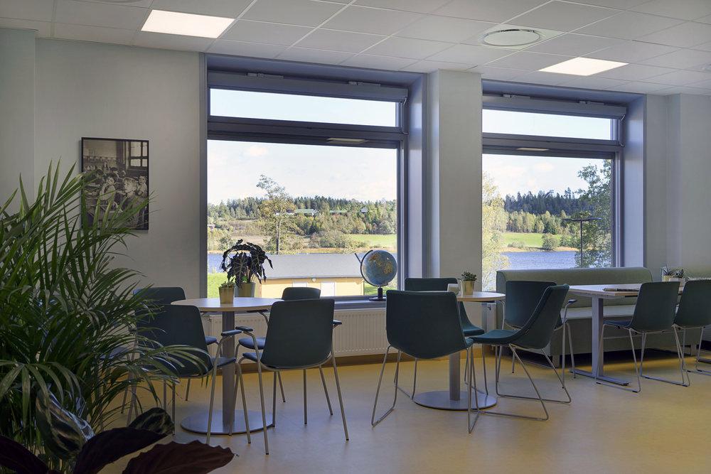 Planforum Arkitekter_Ytre Enebakk skole_Foto Eli Haugen Sandnes_Personalrom 03.jpg