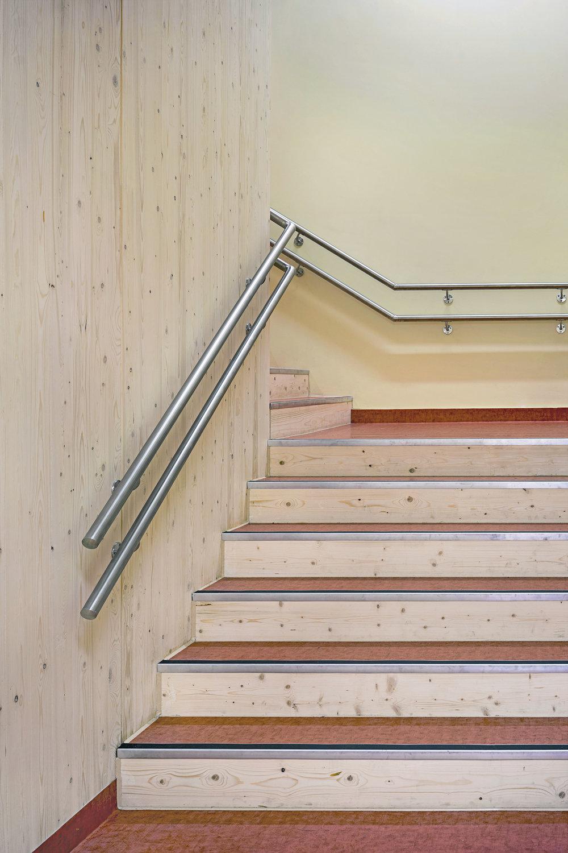Planforum Arkitekter_Ytre Enebakk skole_Foto Eli Haugen Sandnes_Trapp 05.jpg