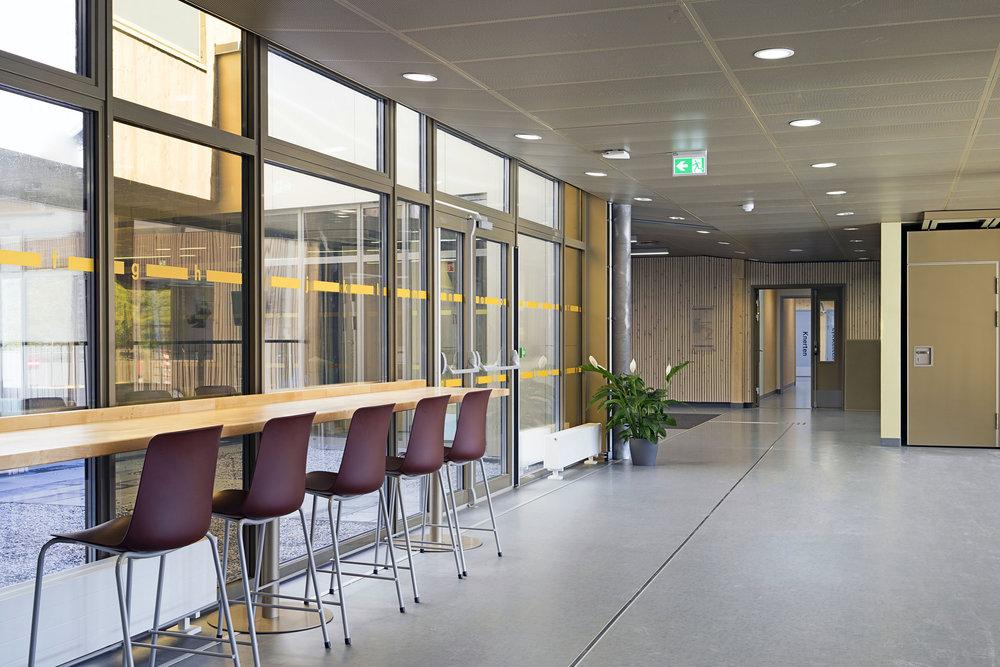 Planforum Arkitekter_Ytre Enebakk skole_Foto Eli Haugen Sandnes_Vestibyle 03.jpg