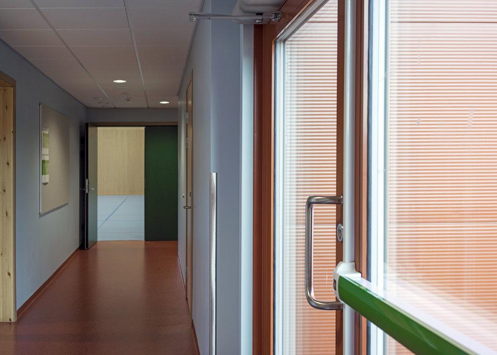 Planforum Arkitekter_Hebekk skole_Gymsal_Korridor_02_Foto Eli Haugen Sandnes.jpg