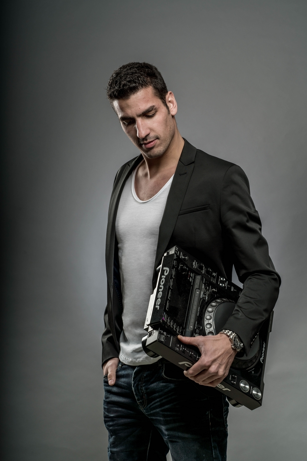 Florian Serra - DJ - Prestevent 1.jpg