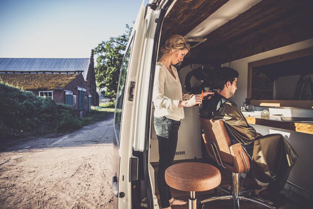 Els en Arne van Hair on Wheels mochten om 6 uur op locatie zijn voor hun shoot. Zo konden we genieten van het gouden uur.
