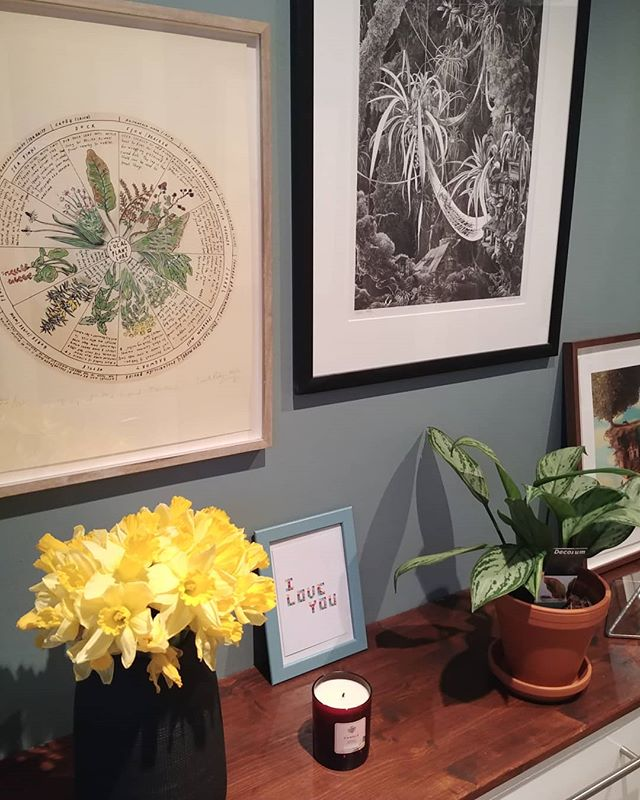 Slowly but surely getting settled into our house again after months of building work. It's so nice to open up all our artwork again and find them a new spot on our walls. 💗 . . . #irishbusiness #irishart #renovations #cleancleanclean #daffodils #springonitsway #smallbusiness #irishdesign #iloveyou