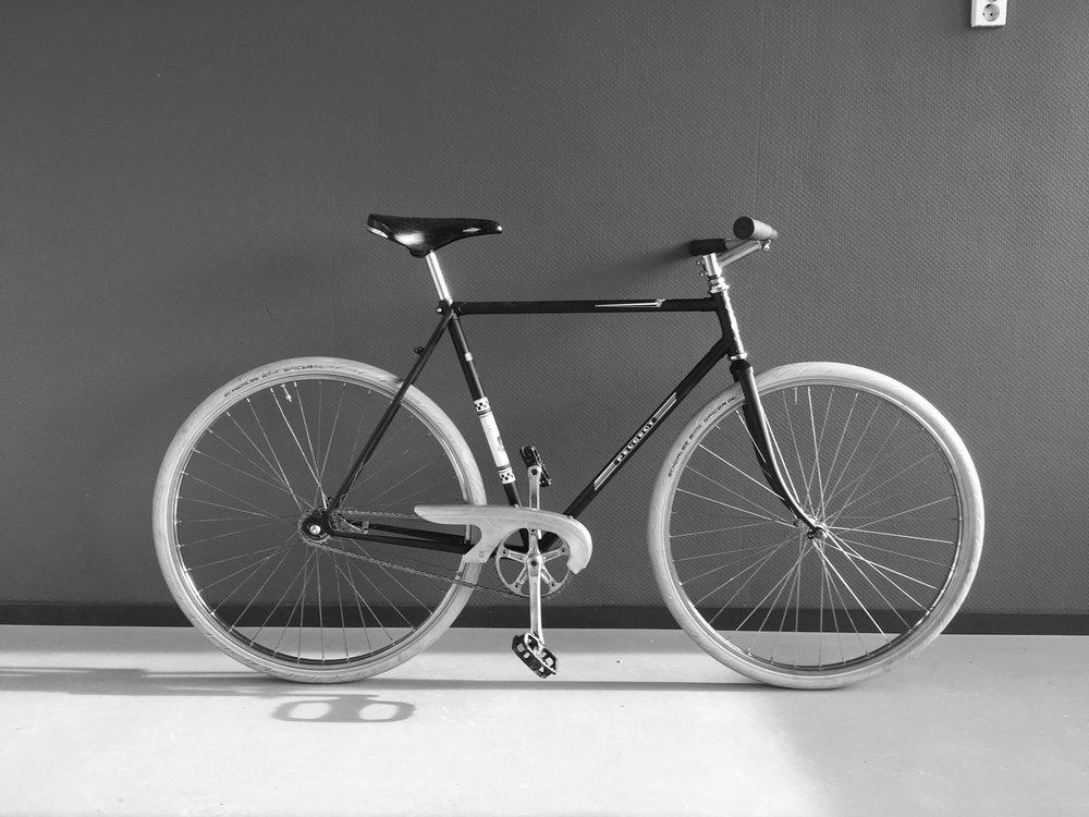 peugeot racer - size 57[Riders > 175cm]Single speedCoaster brakeRolls saddlesold