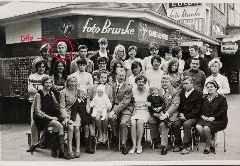Otto Waalkes, meine Großeltern mit meinem Onkel, Tante und meinem Vater (links nach rechts)