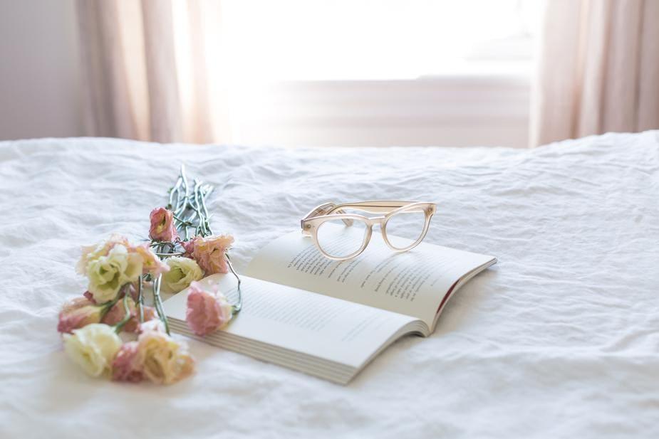 reading-still-life_925x.jpg