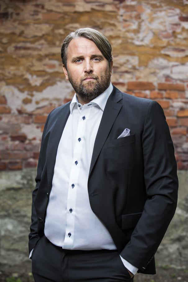 Jesper Annerstedt - VERKSTÄLLANDE DIREKTÖRjesper.annerstedt@tjuren.nu070-445 35 38