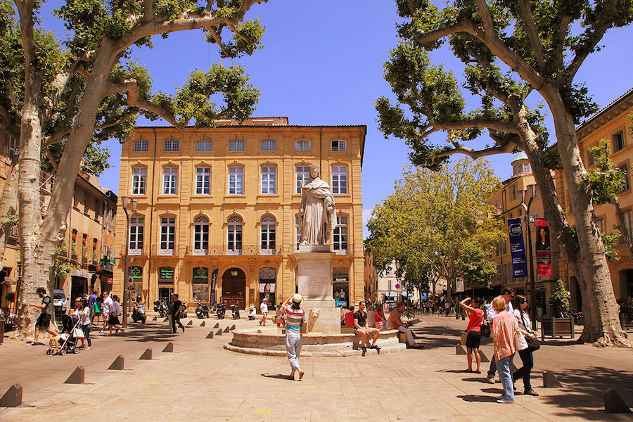 provence-private-tour-aix-en-provence-statue-roi-rene.jpg