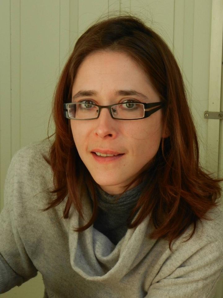 CAROLINE GILBERT - DMVSpécialiste du Collège Européen Bien-être animal et médecine du comportement, sous-spécialité Science du bien-être animal, éthique et règlementationProfesseur d'Ethologie fondamentale et appliquée à l'ENVA