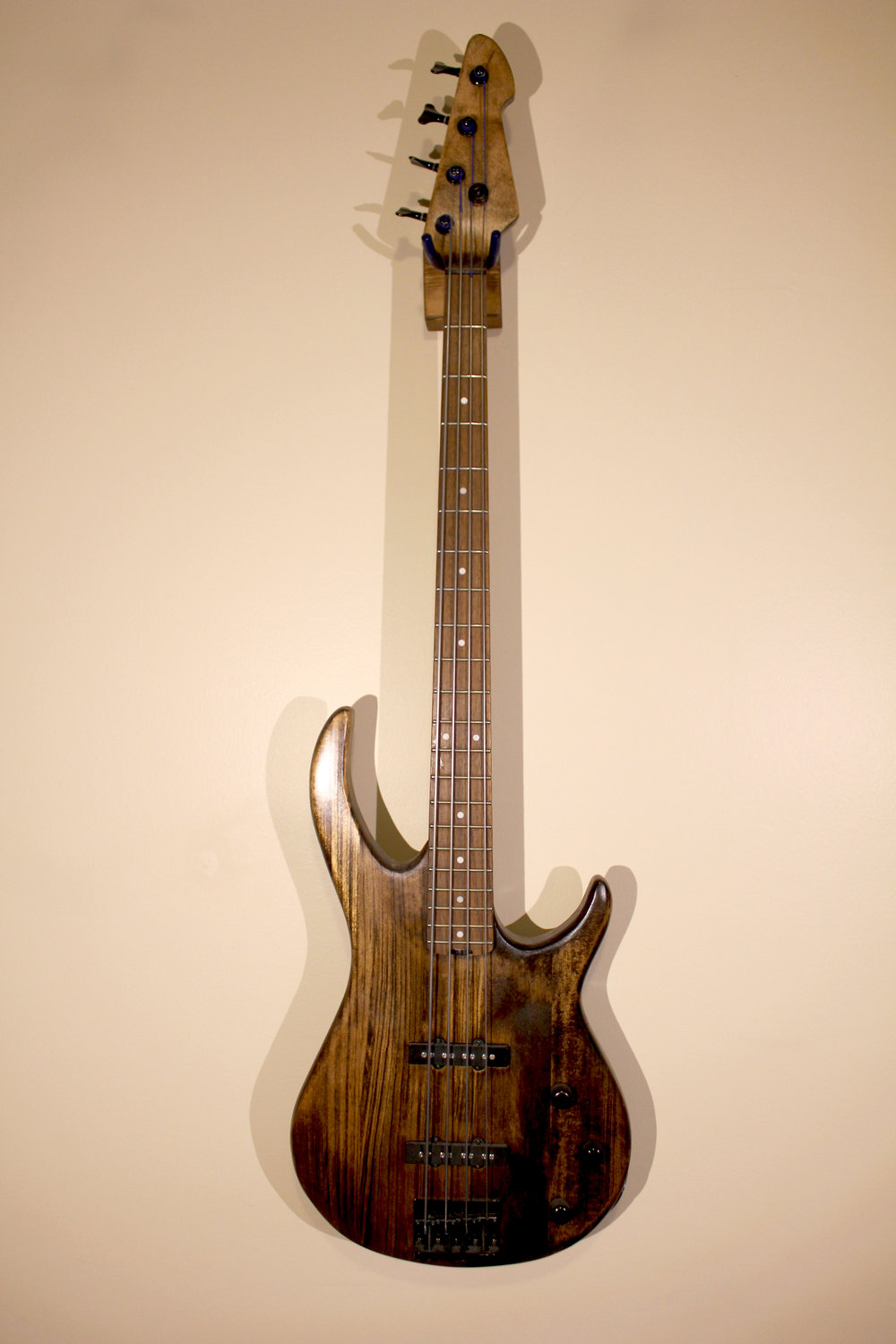 Bass Custom   -not for sale- ibanez bass, woodstain, sealer