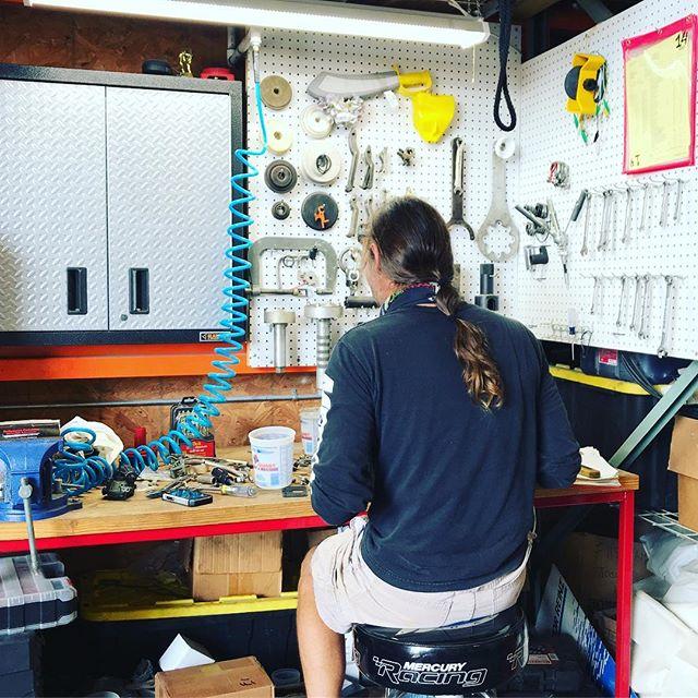 Let our certified techs and mechs service, repair and repower your precious motors 🚤⚓️ ⚓️ ⚓️ #fcjmarine #mercurymarine #bebold #350hp #250HP #200hp #100hp #sport #boatlife #fishing #hondamarine #suzukimarine #boatservice #boatmotor