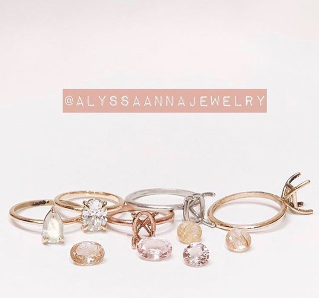 I can't say it enough, I am OBSESSED with @alyssaannajewelry😍 Not only is it a local shop with the most beautiful designs, but it's also owned by some pretty badass women.