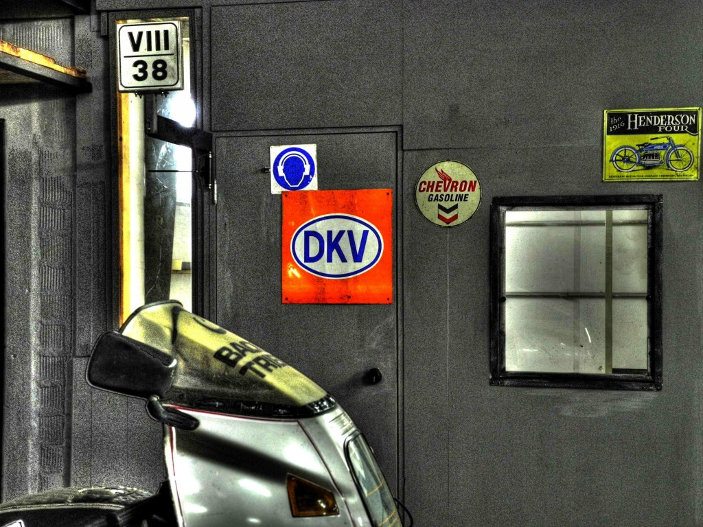 BMW-BAOU_officina_2011_HDR