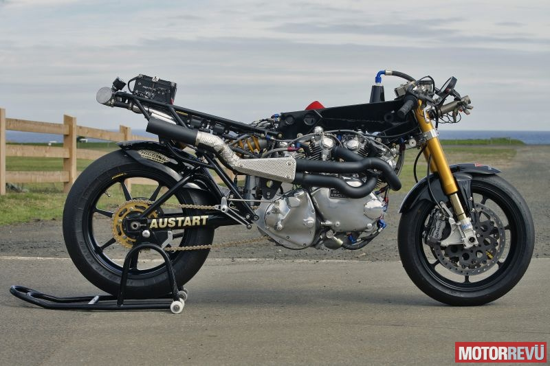 Motorok-Irving-Vincent-1600-Daytona_motorrevu_12.jpg