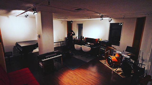 New vibe, new sounds. . #themoonlightclub #mtl #montreal #montréal #montrealcity #mtlmoments #mtlblog #mtlband #montréaljetaime #mtllife #montrealer #rock #rockmusic # music #band #studio
