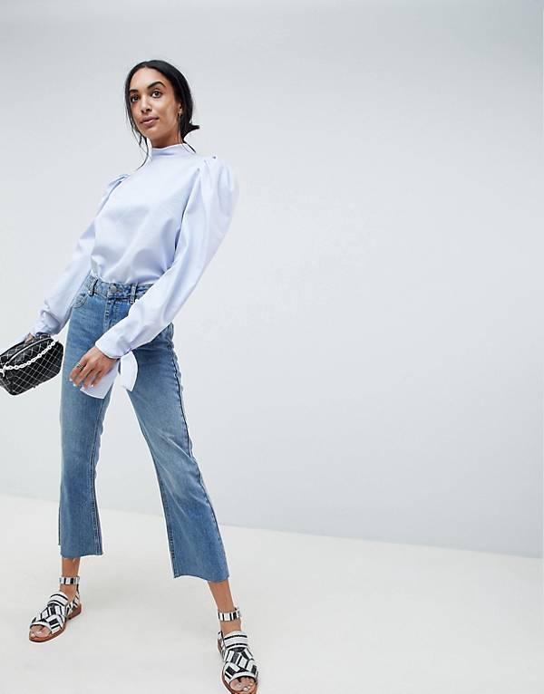 http://www.asos.com/asos/asos-design-authentic-rigid-cropped-flare-jeans-in-vintage-mid-wash/prd/9362515?clr=vintagemidwash&SearchQuery=crop%20denim&gridcolumn=1&gridrow=15&gridsize=4&pge=1&pgesize=72&totalstyles=142