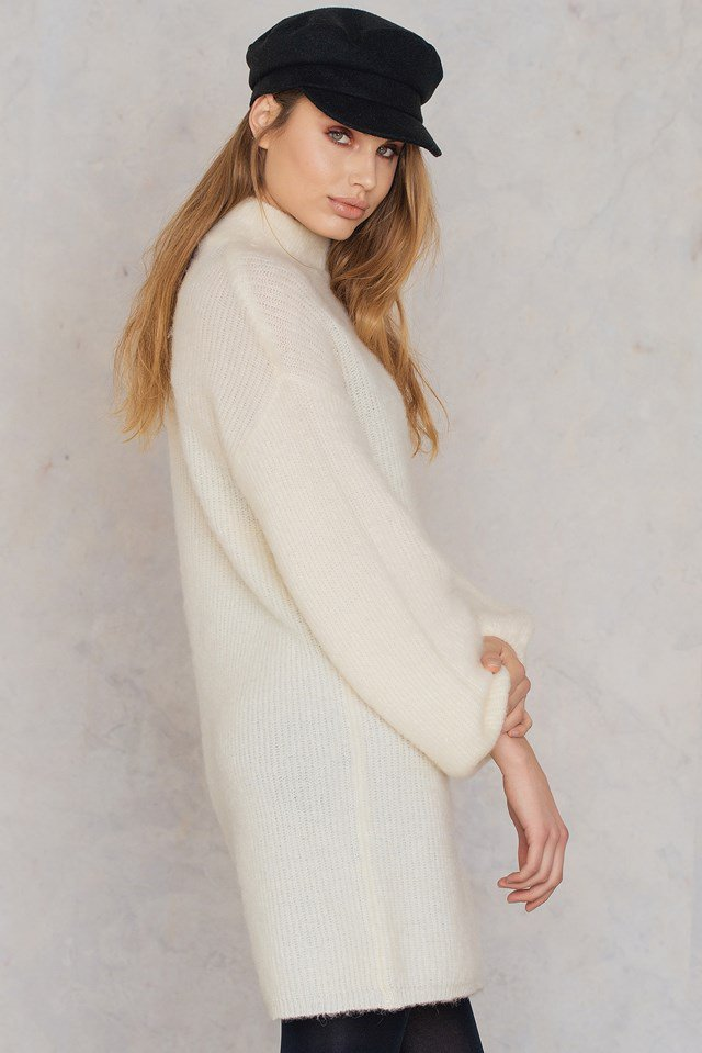 https://www.na-kd.com/en/qontrast-x-na-kd/oversized-knit-cream