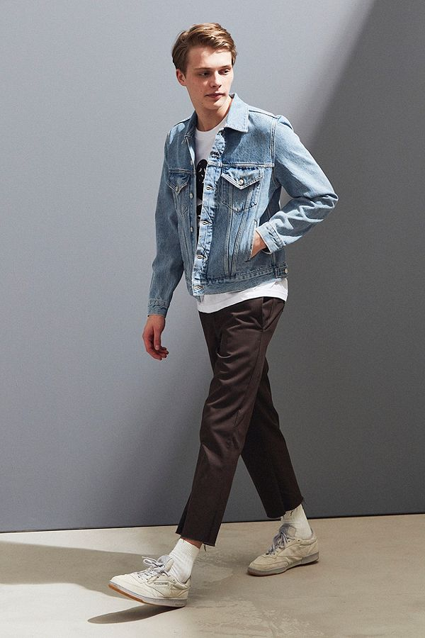 https://www.urbanoutfitters.com/en-ca/shop/agolde-unisex-preston-denim-trucker-jacket?category=SEARCHRESULTS&color=092