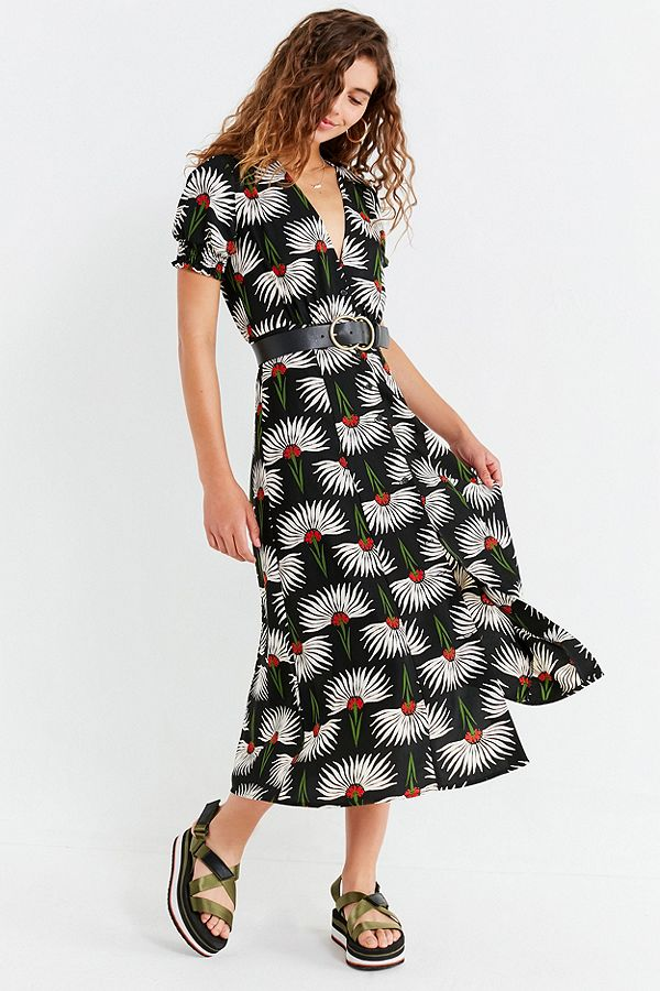 https://www.urbanoutfitters.com/en-ca/shop/uo-button-down-plunging-midi-dress?category=SEARCHRESULTS&color=009