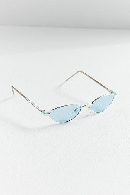 https://www.urbanoutfitters.com/shop/vintage-kayla-kat-sunglasses?category=SEARCHRESULTS&color=040