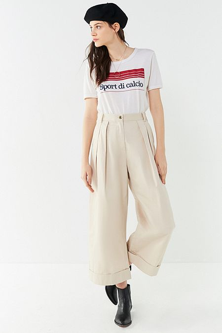 https://www.urbanoutfitters.com/shop/uo-davie-wide-leg-chino-pant?category=womens-new-sale&color=041