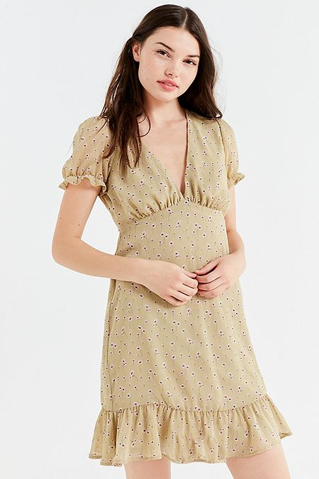 https://www.urbanoutfitters.com/shop/uo-empire-waist-puff-sleeve-mini-dress?category=womens-new-sale&color=038