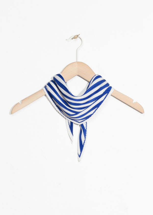 https://www.stories.com/en_usd/accessories/scarves/product.nautical-bandana-blue-stripe.0616026001.html