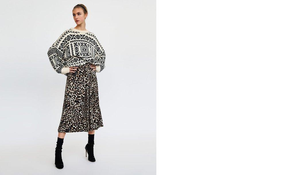 https://www.zara.com/ca/en/animal-print-midi-skirt-p02010601.html?v1=5436026&v2=968921