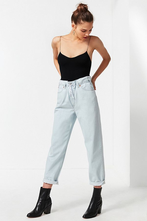https://www.urbanoutfitters.com/shop/levis-high-rise-cinched-straight-leg-jeans?category=SEARCHRESULTS&color=106