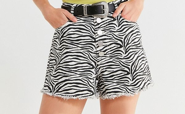 https://www.urbanoutfitters.com/shop/bdg-hazel-high-rise-denim-short-zebra?category=womens-jeans-sale&color=010