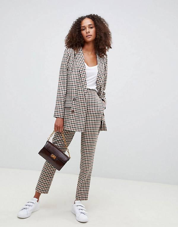http://www.asos.com/au/tailoring-heritage-suit/grp/20989?clr=check&SearchQuery=suits&gridcolumn=2&gridrow=1&gridsize=4&pge=1&pgesize=72&totalstyles=263