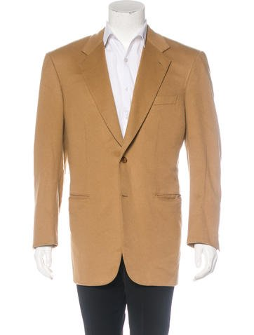 https://www.therealreal.com/products/men/clothing/suiting/brioni-palatino-cashmere-blazer-ZxGEkwuJXNI