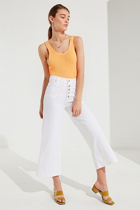 https://www.urbanoutfitters.com/shop/bdg-button-fly-culotte-jean?category=SEARCHRESULTS&color=010