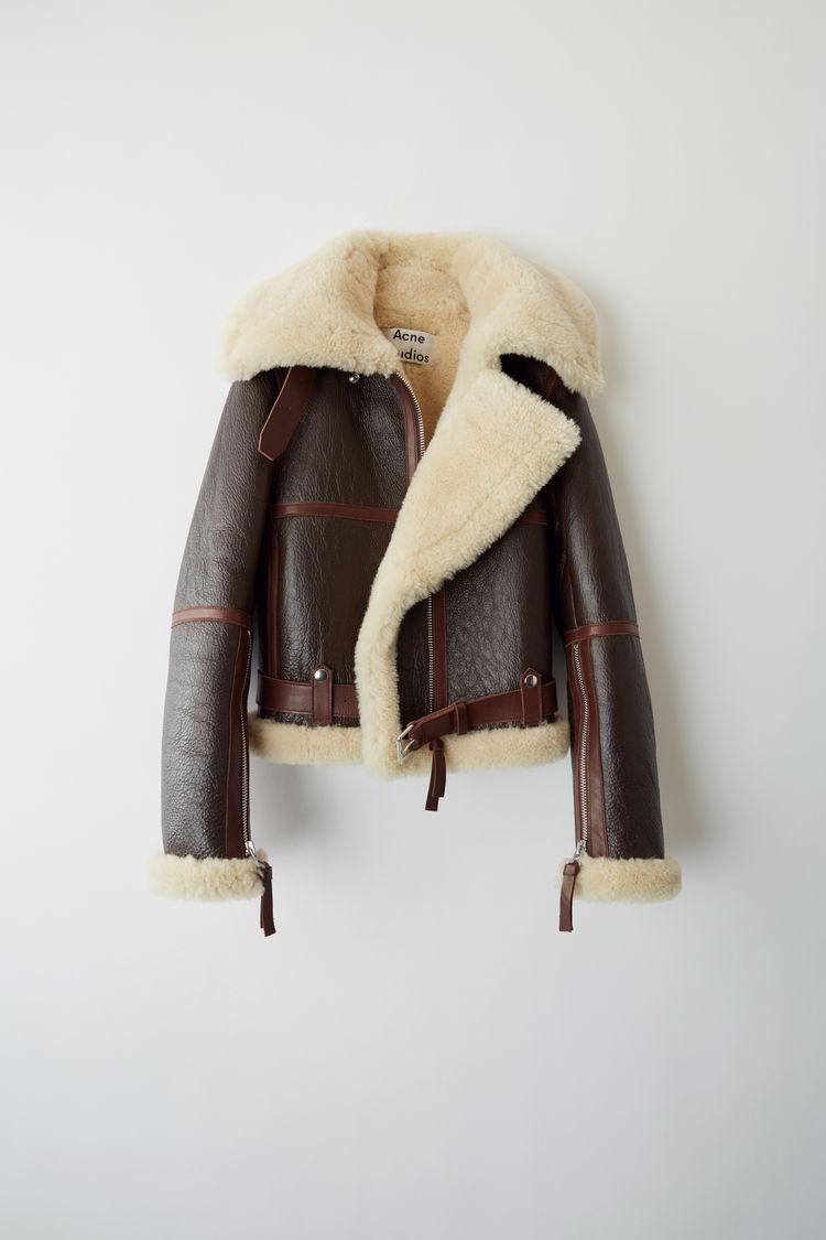 https://www.acnestudios.com/ca/en/midsize-shearling-jacket-dark-brown-beige/A70013-AIP.html