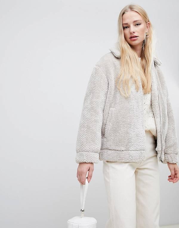 https://www.asos.com/au/vero-moda/vero-moda-teddy-borg-jacket/prd/10222678?clr=cream&SearchQuery=teddy%20coat&gridcolumn=1&gridrow=4&gridsize=4&pge=1&pgesize=72&totalstyles=606