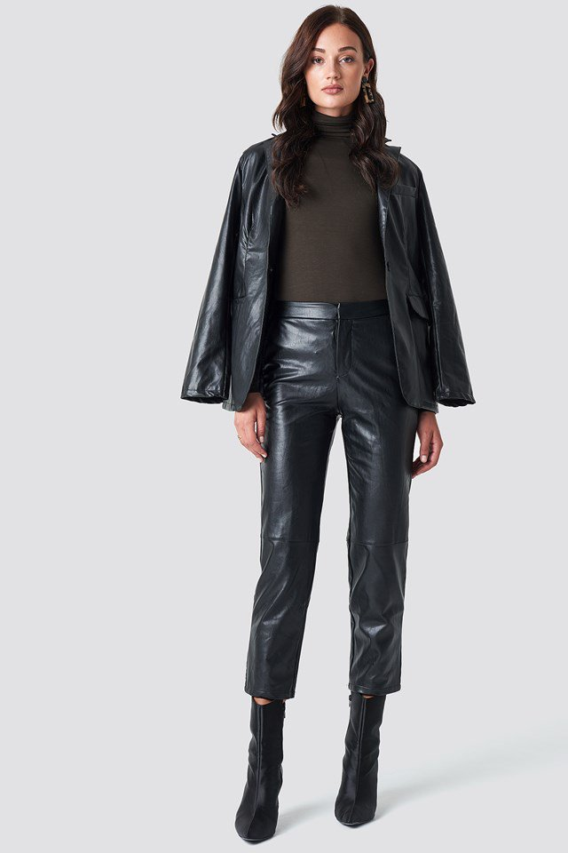https://www.na-kd.com/en/na-kd-trend/pu-pants-black