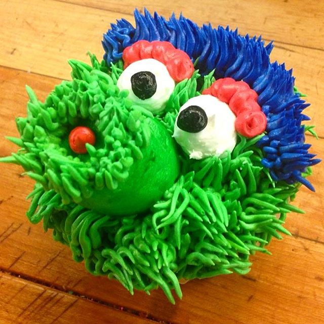 ⚾️ is in the air. The Phills open at home today and to us that means Spring is officially here. Stop by today and snatch up these sweet Phanatic cupcakes before they disappear into the outfield!
