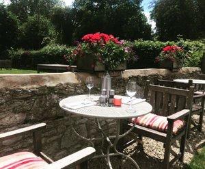 garden+table.jpg