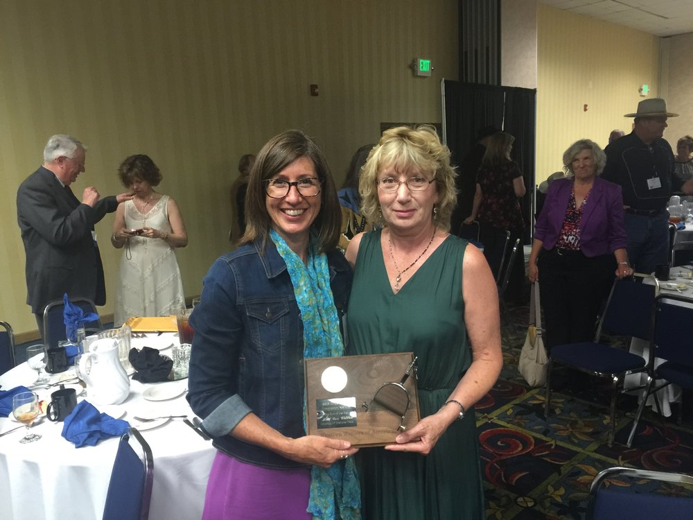 Leisl Carr Childers with Tamsen Hert (University of Wyoming Special Collections) at the 2016 Spur Award banquet.