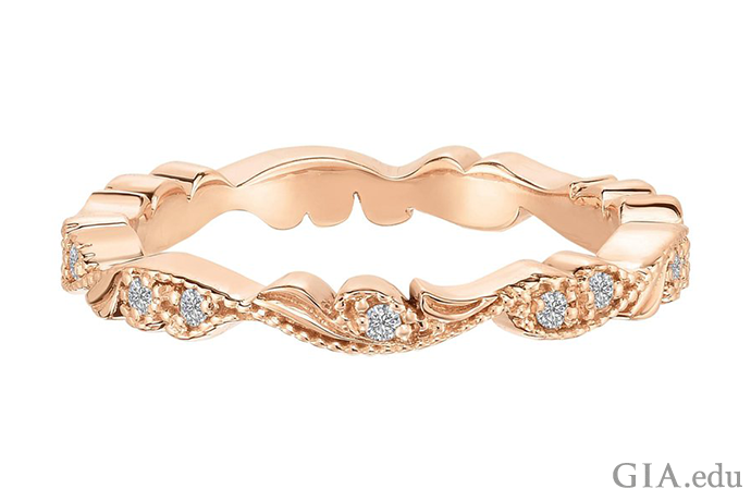 225610-Rose-Gold-Diamond-Chantilly-Lace-Wedding-Ring-690x460.png
