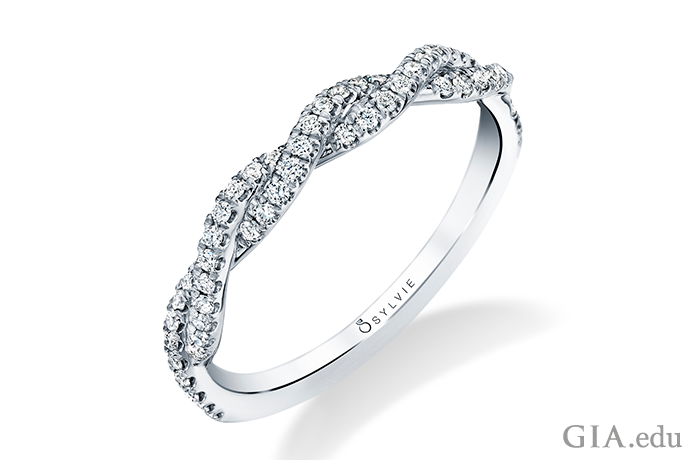 224058-spiral-wedding-band-690x460.png