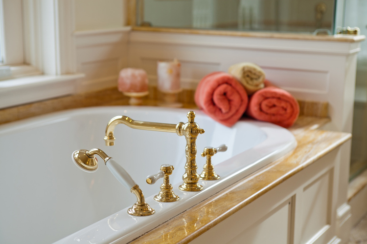 Detail in master bath.JPG