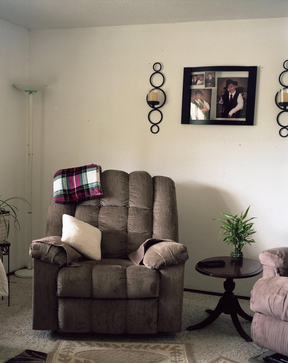 living_room_ppl.jpg