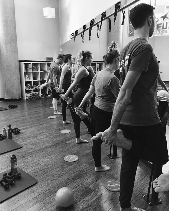 """True success is achieved by stretching oneself, learning to feel comfortable being uncomfortable"" Although barre is low impact, it requires mental endurance. When your muscles are burning, you'll have to learn to work through discomfort, and you'll be encouraged to keep going. Barre trains you to be strong 💪🏻. - — #mindbodyconnection #portland #fulcrumfusion #fitfam #fulcrumfitness #pdxfitness #fitpdx #fitnw #barre #cycle #yoga #feelthebeat #fitTOGETHER #fitpdx #breathe #ride #pulse #thesweatlife #strongnotskinny #fitspiration #fitnessgoals #getfit #fitnessforlife #positivemood #findyourstrong #betterforit #workouttime #friendsthatsweattogetherstaytogether"