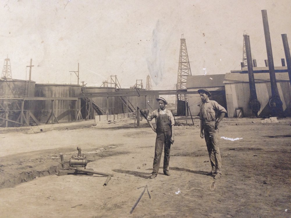 The oil fields of Jennings, Louisiana, 1907.