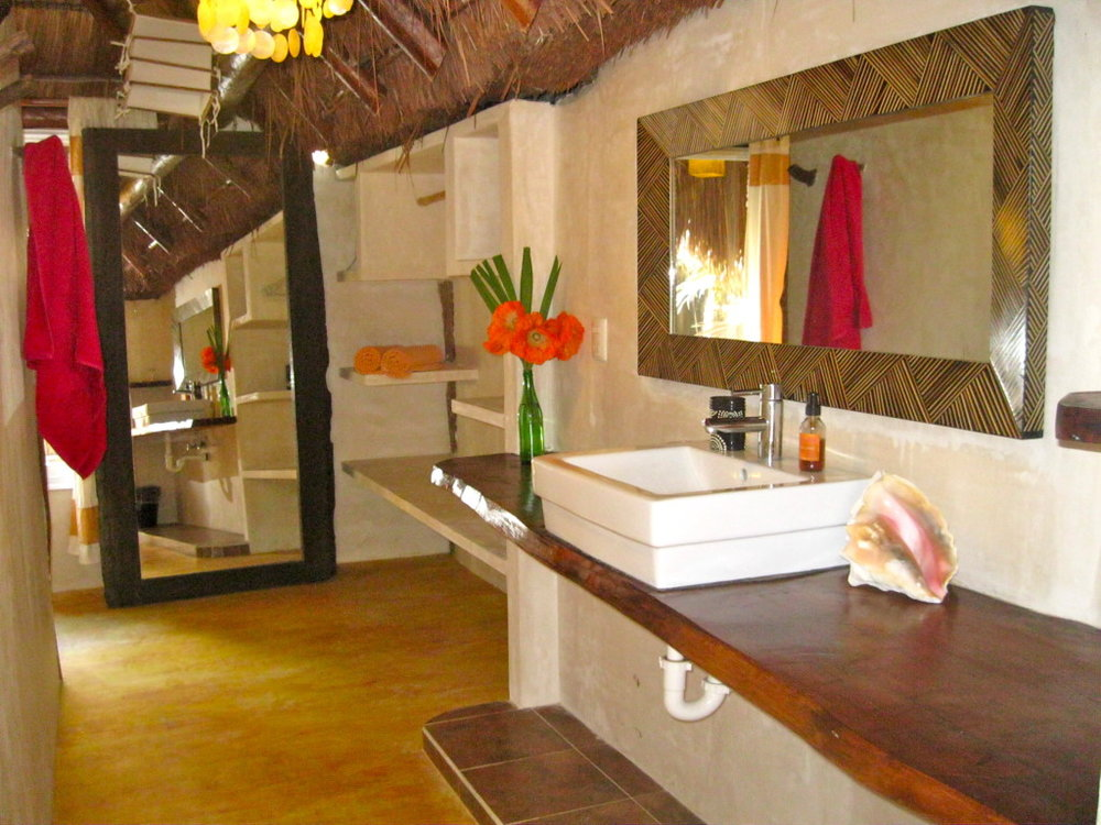 spaciousbathroom13-1024x768.jpg