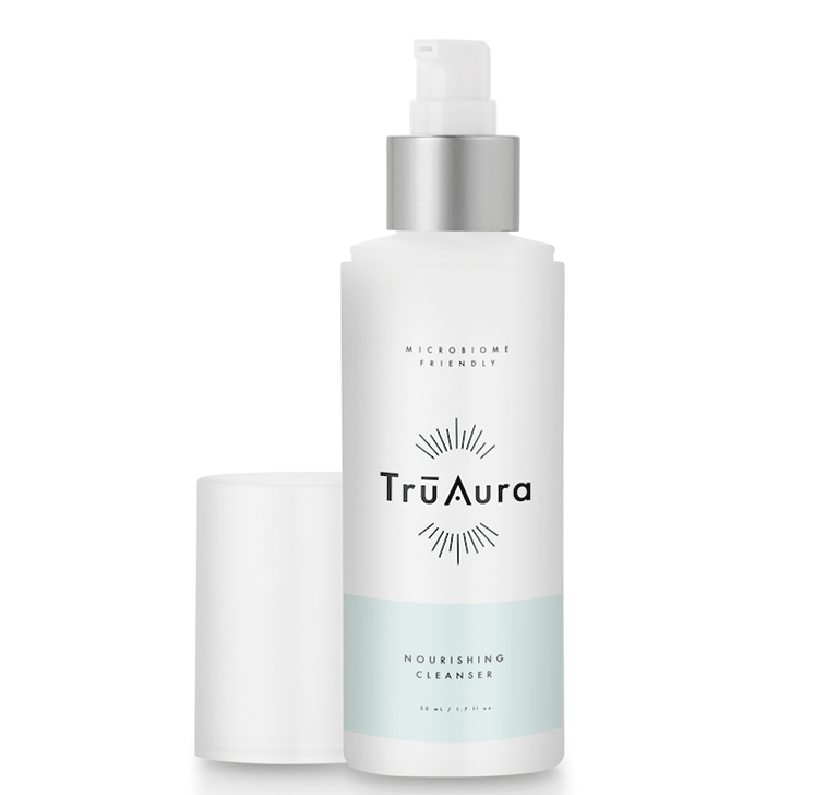 This is how it works: Tru Aura's new cleanser helps your skin receive the nutrients that it needs. - Our nourishing cleanser features four main, powerful ingredients that serve several purposes. They work together to create a powerful formula to combat skin issues. Let's take a look at those ingredients: