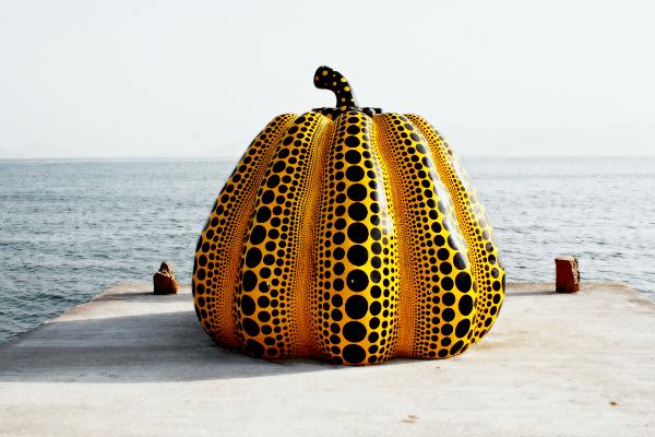 Western-Japan-Naoshima-Island-Art-Yayoi-Kusama-Pumpkin-Sculpture-bigstock-600.png